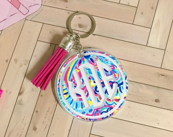 Circle Keychain with monogram / key chain / Monogram decal / circle monogram keychain / Lilly pulitzer / lilly pulitzer monogram