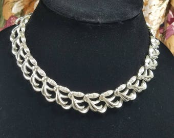Gorgeous Silver Tone Knotted Bow Coro Necklace