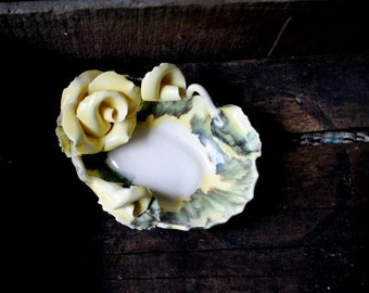 Hollywood regency vintage 40s porcelain, shabby chic   soap dish by Lora Aileen, California.