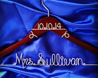 Wedding Hanger, Personalized Custom Wire Wedding Hanger and date, Bridal Hanger with Date, Wedding dress hanger, Brides Hanger, Name Hanger
