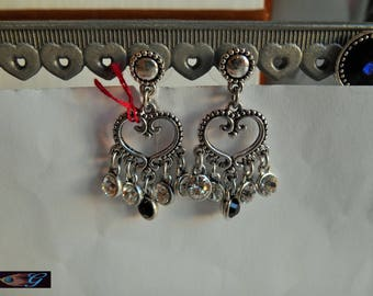 Black and white glass and silver metal heart earrings iridescent