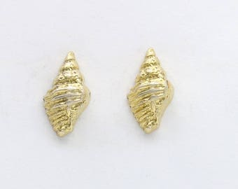 gold plated silver shell earrings, nautical earrings, sea shell jewelry, mermaid earrings, nautical jewelry, beach jewelry, beach outfit