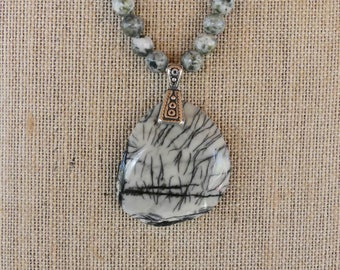 19 Inch Gray and Black Spider Jasper Pendant Necklace with Earrings