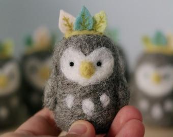 Spring OWL guardian /totem / art toy / woolen / figurine