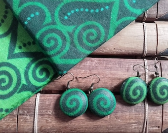 a pair EARRINGS in African fabric