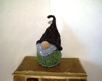 "House Gnome BüRGED Scandinavian Tomte Nordic Nisse 8-9"" 20-22 cm Rustic Home Decor Woodland House Decoration Hand Knit Home Gnome Handknit"