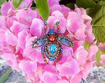 Swarovski bead embroidered beetle brooch | OOAK | Beaded beetle pin | Statement jewelry brooch | Insect jewelry | Unique gift for her