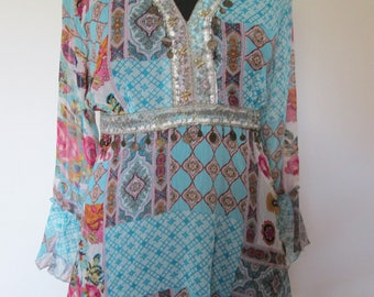 02 tunic in blue patterned chiffon veil.