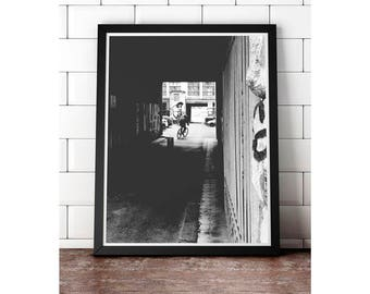 Berlin Courier - Gallery print