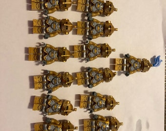 Building block Golden Knight 17 mini-figures with shield two swords compatible with legos