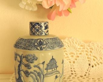 Vintage Ceramic Bottle, Vintage Home Bathroom Bedroom Ceramic Bottle Table Decor Decoration Ornament, Collectibles