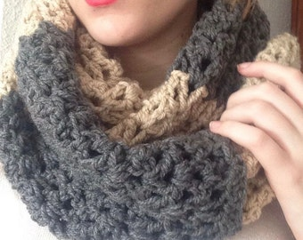 Neck-to-crochet scarf, 2-turns wool for girl. Beige and dark grey. Ideal for Gift