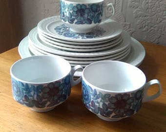 Gorgeous retro blue Pontesa Castilian Collection: various dinner service and tea set items available