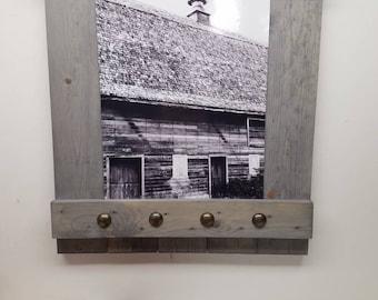 Farmhouse photo frame.