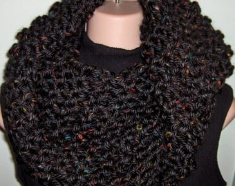 Claire Inspired Cowl, chunky knit, womens cowl, sassenach claire starz , chunky cowl,  Cowl, Outlander Scarf