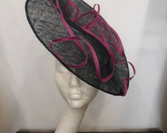 "Bibi Navy Blue and fuchsia, dark blue and fuchsia fascinator, wedding and ceremony, model ""Zig zag flight"""