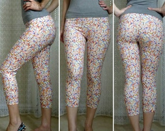 Coral Orange Leggings, Floral Printed Womens Tights, Cropped Pants, Capri Leggings, Butterfly Patterned Workout Pants