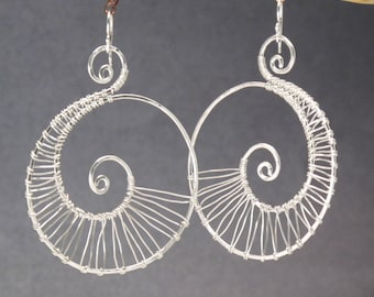 Hammered spiral shape earrings Nouveau 46