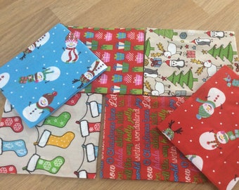 Retro Christmas/Xmas 100% Cotton Fabric - Free UK Shipping - Fat Quarter Bundle of 6 Fabrics - Ideal for Craft/Quilting/Patchwork/Sewing