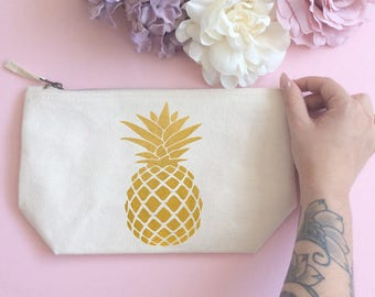 Pineapple makeup bag- Cosmetic bag- Unique gift- Toiletry bag- large cosmetic bag- Inspirational quote-Personalised cosmetic bag-Quote Print