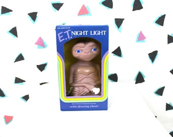 Vintage E.T. Night Light. Original 1982 Mint In Box E.T. The Extra Terrestrial Alien Glowing Chest Night Light. 80s Deadstock Collectible