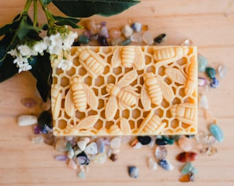 Natural Soap with Honey and Beeswax /Gift under 20 / Gift for her/gift for him / Mothers day gift, Organic ingredients, editors pick