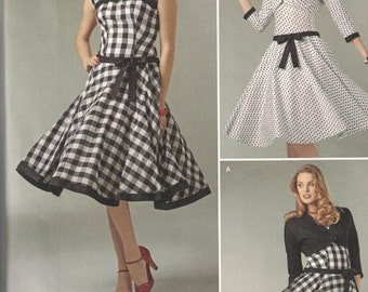 Simplicity 1061  Womens Fit and Flared Dress in 2 Variations SIze 4,6,8,10,12 UNCUT