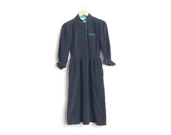 Size XS // BLACK CORDUROY Shirtdress // Long Sleeve - Collar - Puff Sleeves - Pockets - Preppy - Secretary - Vintage '80s.