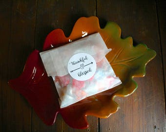 """Thanksgiving favors, 2"""" round stickers, add favor bags, set of 20, Thankful & Blessed, Matte white or Kraft brown, thanksgiving decor, favor"""