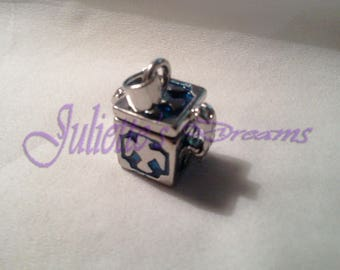 Blue cube - 4 016 prayer box pendant