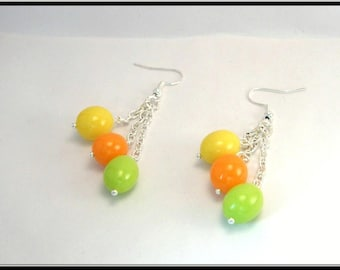 Earrings small Easter eggs in polymer clay.