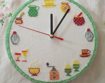 Kitchen clock embroidered deco pattern
