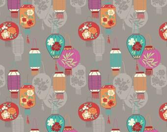 Minshan A120-2 Lanterns on light grey Lewis & Irene Patchwork Quilting Fabric