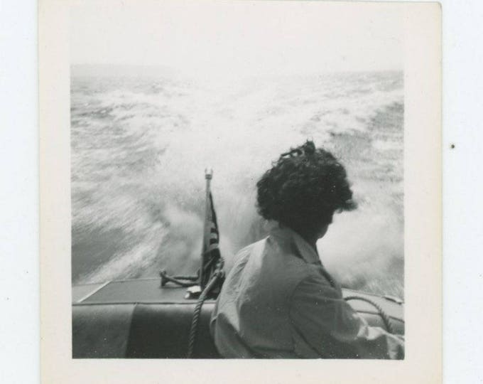 Vintage Snapshot Photo: Speedboat (78603)