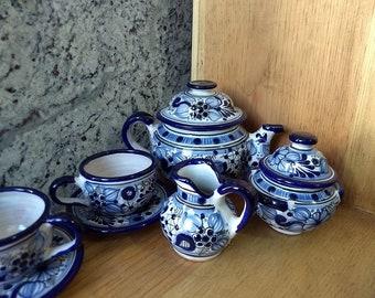 Talavera 6 people tea/expresso set, Majolic ceramic teapot set. Flowered decoration.
