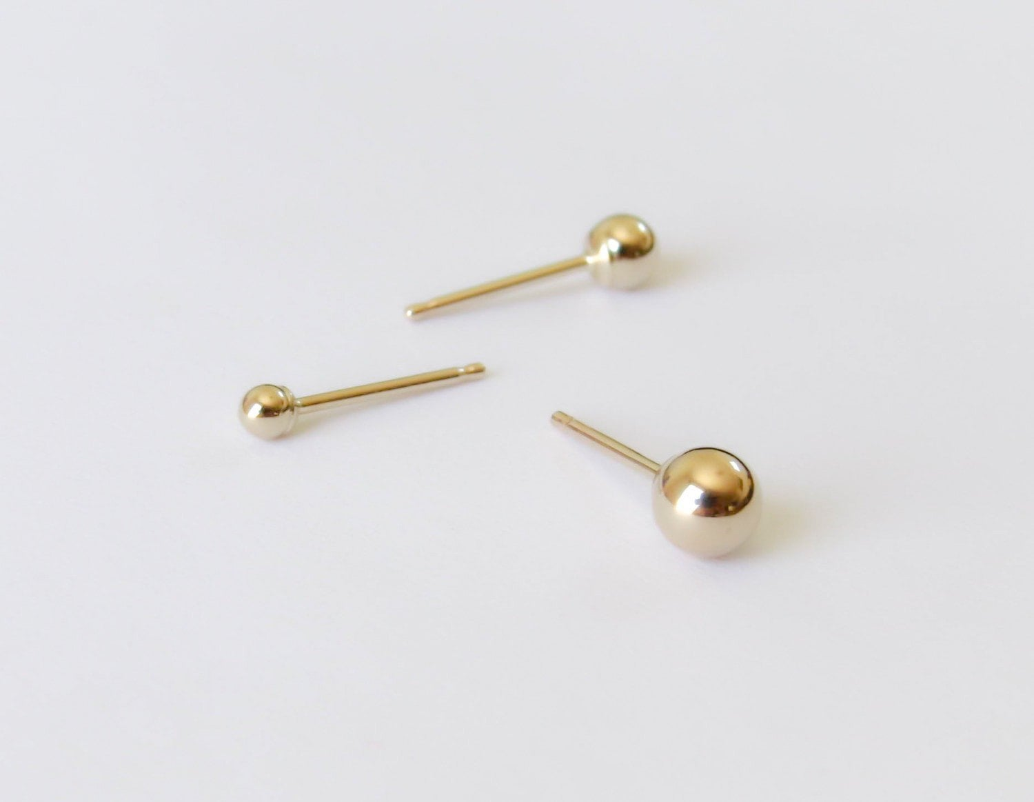 simple references stud earrings