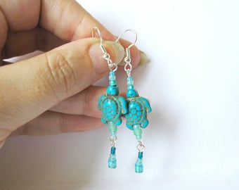 Beadwork Turtle Earrings, Dangle Earrings, Beaded Bead Earrings, Seed Bead Teal Earrings, sea water earrings, marine, turquoise turtle