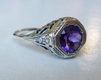 Stunning Purple Amethyst Ring Solitaire Antique Victorian Style in Sterling Silver Size 7 // Filigree Art Nouveau Deco Precious Gemstone