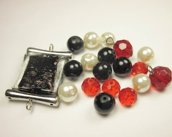19 glass beads in assortment (CA12)