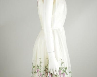 1950s Off-White Floral Dress