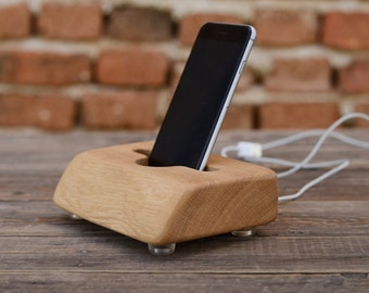 Masive Oak Wood iPhone Charging Station, Big Docking Station, Personalized Gift, Gift for Him, Unique Phone Stand, Wood Tech Accessory