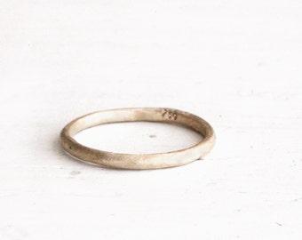 Rustikale Hochzeit Ring. 18k gold. Sophie.
