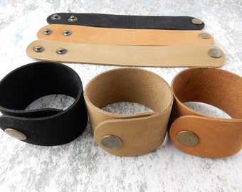 """Black Natural or Medium Tan Leather Cuffs Qty 1 to 10, 1.5"""" Wide, Genuine Leather Wristband, 1 1/2"""" Wide, Cuff Blank, Hand Stamping Supplies"""