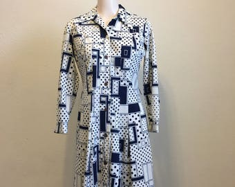 Vintage Mod Dress, Black and White, Abstract Patterned Dress, Vintage White Printed Dress, Vintage Black/White Dress 38-36-38