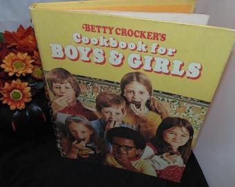 Vintage 1978 7th print Betty Crocker's Cookbook for Boys & Girls Spiral hardcover