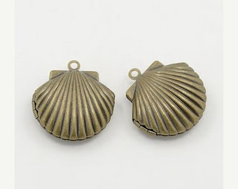 25% off SALE Bronze Shell Locket, Bronze Locket 24x22x9mm  2 Lockets, Seashell Locket, Seashore, Antique Bronze Shell Locket