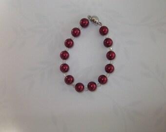 Bracelet glass beads and Burgundy Fuchsia Crystal
