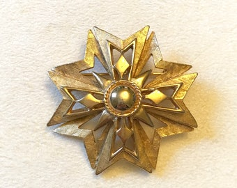 Vintage Hedy Hedison Gold Tone Maltese Cross Brooch