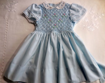 Vintage 1970s 1980s Polly Flinders hand smocked dress blue Easter dress lace collar size Toddler 4 special occasion