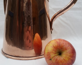 Benham and Froud Copper jug. Victorian Two Quarts Dovetailed Copper Jug.